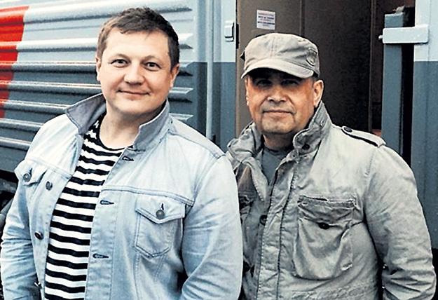 Николай РАСТОРГУЕВ высоко оценивал профессионализм гитариста «Любэ» Павла УСАНОВА (слева)