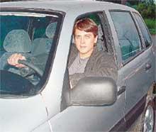 СЪЕМКИ НА НАТУРЕ: немало дней Денис провел за рулем