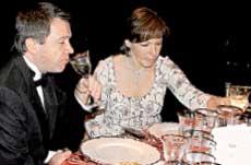 СЕМЕЙКА: Валентин Юмашев и Татьяна Дьяченко каждый второй тост поднимали за своего родственника Бориса Ельцина. Из-за этого Борис Николаевич в Барвихе икал целый вечер