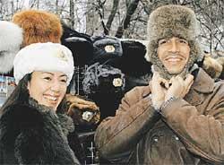 ИНОСТРАНЦАМ ДАЛИ ПО ШАПКЕ: к русским морозам готовы!