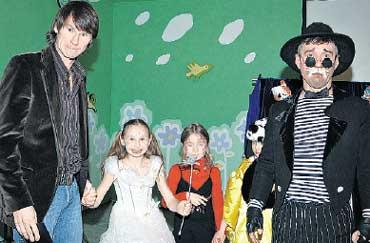 КАПИТАН &#034СПАРТАКА&#034: водил хороводы с малышами