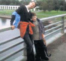 НИКОЛАЙ ГРАММАТИКОВ С ЮРОЙ: это снимок похититель отправил отцу мальчика в США