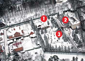 ЗАГОРОДНАЯ РЕЗИДЕНЦИЯ ГРОМОВА: 1 - жилой дом; 2 - дом приёмов; 3 - ротонда