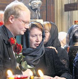 Единственная родная дочь ПУГОВКИНА Елена с сыном Михаилом остались без наследства