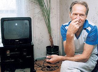 Михаил Николаевич ЕЛЬЦИН последние годы видел своего дорогого Бориса только по телевизору