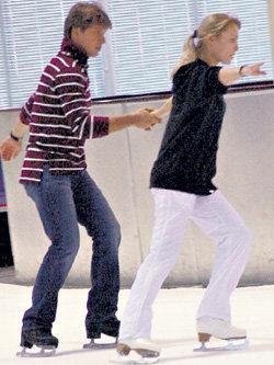 С Алексеем ЯГУДИНЫМ Таня сделала первые робкие шаги на льду