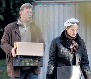 Анатолий ЖУРАВЛЁВ, имея прижитых «на стороне» детей, не оставляет свою супругу Наталью
