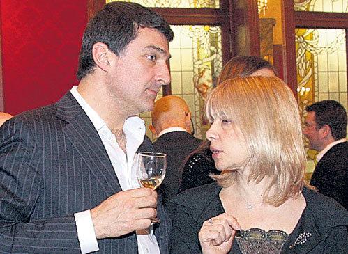 Вера ГЛАГОЛЕВА на банкет к ЮДАШКИНУ пришла вместе с мужем бизнесменом Кириллом ШУБСКИМ...