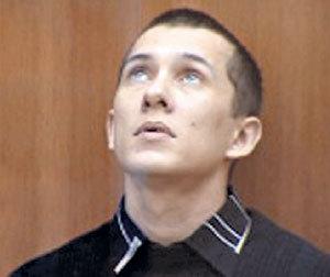 Геннадий СЕМЁНОВ на суде мечтательно созерцал потолок