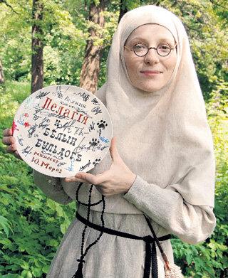 КУТЕПОВА быстро вжилась в образ монахини