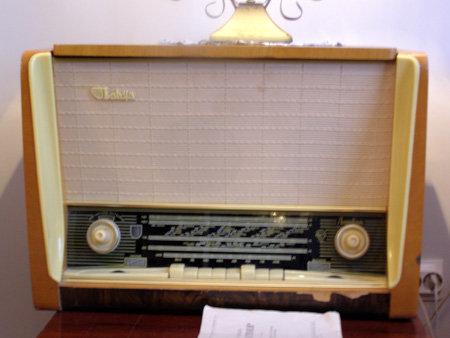 Радиоприёмник - главный источник информации в советские времена