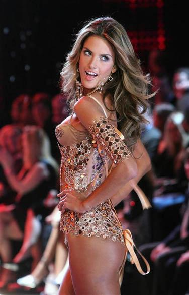 4 место: бразильская модель Алессандра Амбросио, еще однин «ангел» Victorias Secret.