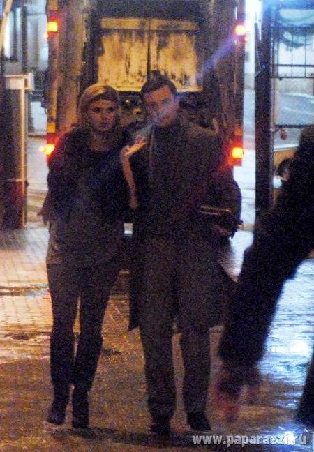 Дмитрий весь вечер трогательно опекал Аню