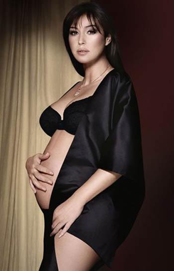Моника Белуччи на обложке выпуска Vanity Fair cейчас...