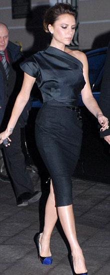 Вечером Виктория отправилась в Большой Театр, нарядившись в маленькой черное платье из собственной коллекции