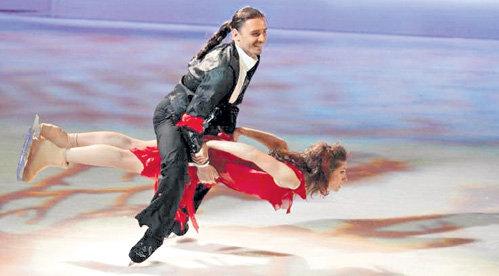 Александр АБТ оседлал Настю не только на шоу «Ледниковый период»