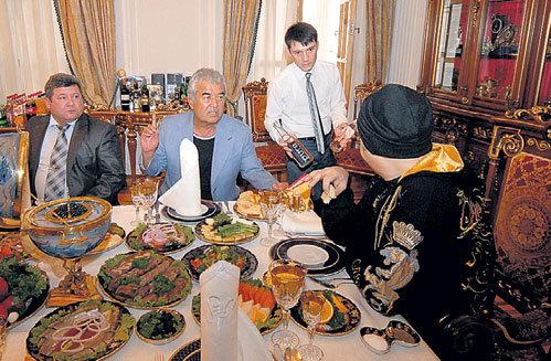 В день концерта КИРКОРОВ позволил себе только минералку без газа и кусок лепёшки
