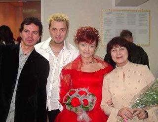 Первый брак Алексея с танцовщицей «Рук» Ириной ТОМИЛОВОЙ оказался неудачным