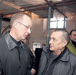 Михаил СМЫСЛОВ (слева) и Юрий ФОМИНЫХ встретились на отпевании