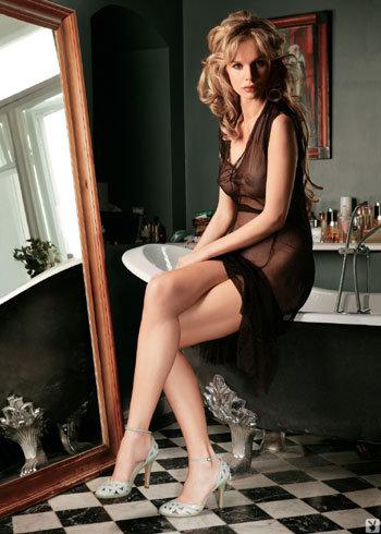 Экс-солистка «Мобильных блондинок» не раз демонстрировала свои прелести (Фото: Playboy)