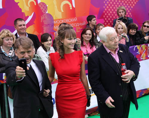 Олег Табаков с сыном и невесткой