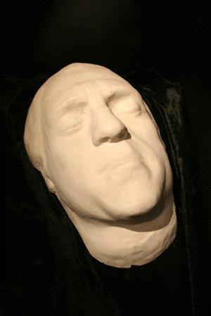 Посмертная маска поэта