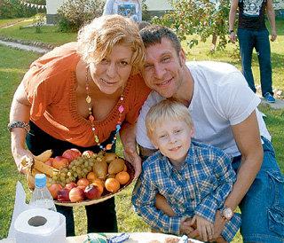 АРЧИ с женой Катей и сыном Глебом