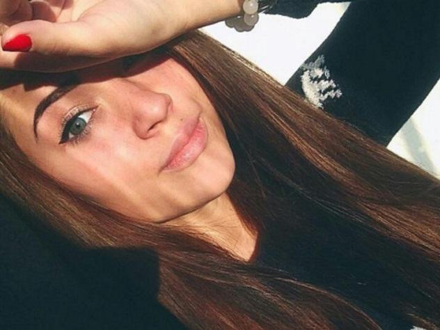Винтернете обсуждают 18-летнюю внучку Высоцкого