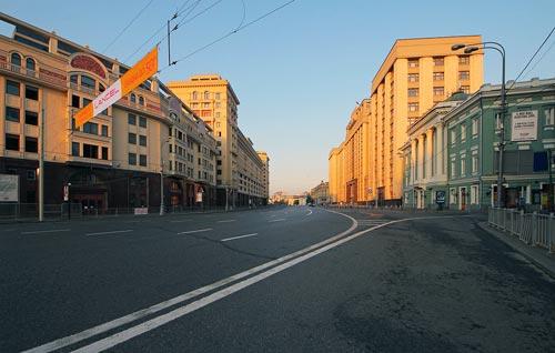 Вид на улицу Охотный Ряд с Театральной площади. Фото: wikimedia.org
