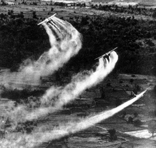 США не скрывают, что во Вьетнаме применяли экологическое оружие. wikipedia