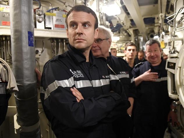Макрон провёл пару часов наборту атомной подводной лодки