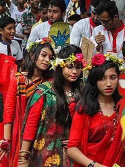 Школьницы из Бангладеш. wikimedia