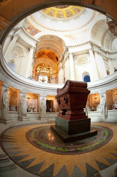Гробница Наполеона в Доме инвалидов. wikimedia