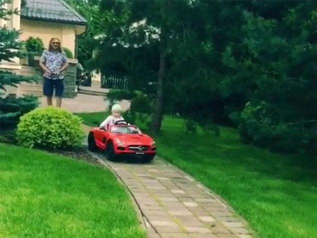 Игорь Николаев заступился засвою дочь «зарулем красного спорткара»