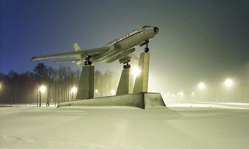Ту-104 в аэропорту Внуково. Красивый самолет. Фото: Anthony Ivanoff / Wikimedia.org