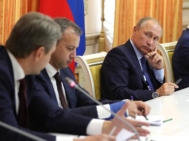 Ткачев рассмешил Владимира Путина рассказом про экспорт свинины вмусульманские страны