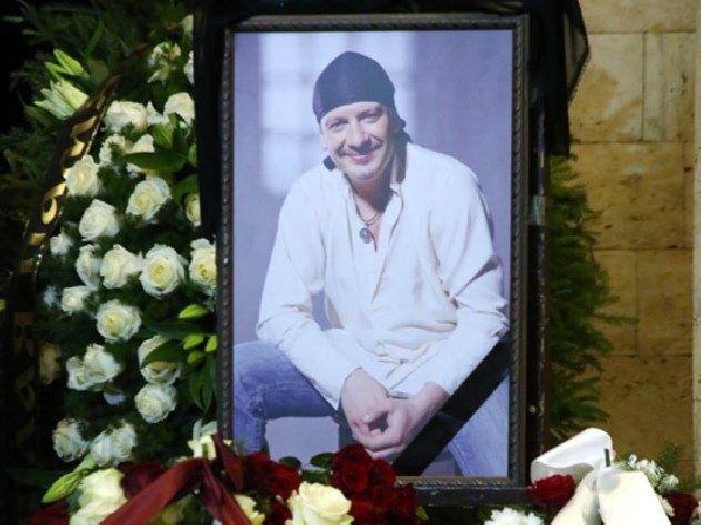 Фанаты Дмитрия Марьянова просят вознаградить его посмертно