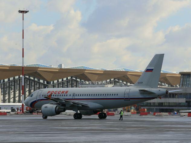 Стоимость внутренних перелетов в Москву во время ЧМ-2018 подорожает в десять раз. Вместо привычных 2-3 тысяч рублей, россияне будут отдавать за билет о столицы по 20 тысяч рублей.