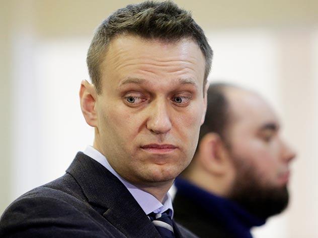 суд продлил Навальному испытательный срок
