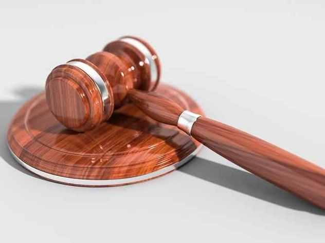 В Хабаровском крае суд вынес приговор мужчине, который убил сожителя своей матери. Интересно, что ранее молодой человек уже дважды был судим за убийство сожителей родительницы.