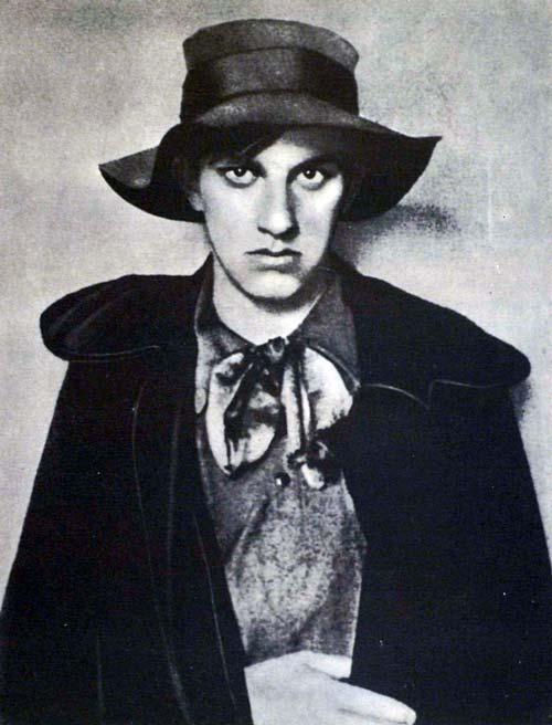 Владимир Маяковский после заключения в Бутырке, 1910 год. Фото: wikimedia.org