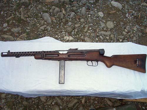 Легенда — Beretta 38. Источник: wikipedia.org