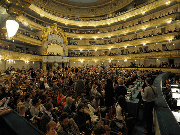 Владимир Мединский пообещал: купить билеты в театр станет проще