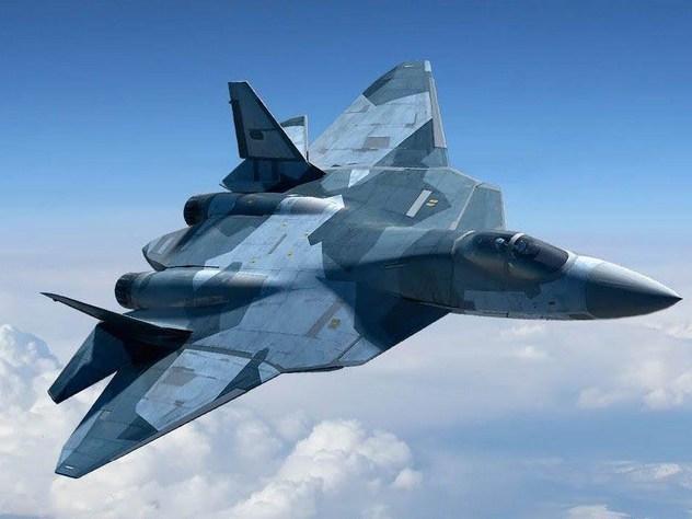 Боевой разворот новейшего истребителя Су-57 сняли с беспилотника
