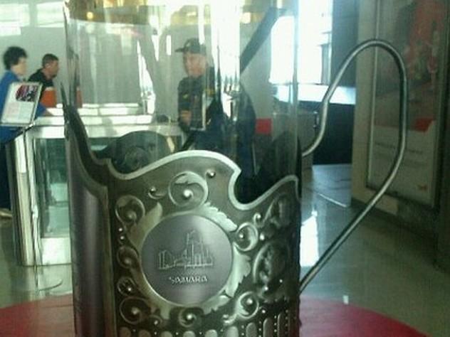 На железнодорожном вокзале Самары установили гигантский стакан