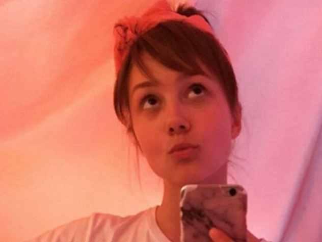 Звезда сериала «Папины дочки» Екатерина Старшова, на которую подписчики набросились с критикой в связи с опубликованием откровенной фотографии заявила на своей страничке в Instagram, что все оскорбления в ее адрес абсурдны.