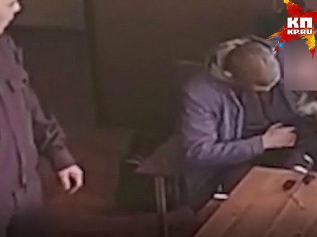 Интимные игры супругов в зале суда попали на видео