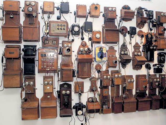 В Москве на Садово-Кудринской площади открылся крупнейший в Европе Музей телефонов