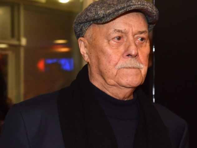 Пресс-секретарь председателя комитета Госдумы по культуре, режиссера Станислава Говорухина опровергла появившиеся сообщения о его смерти.