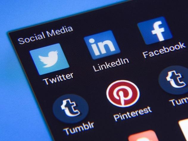 Instagram использует 1 млрд человек в мире